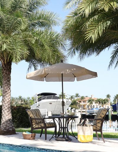 FiberBuilt Garden Umbrella w Concrete Base