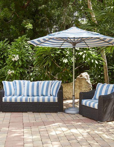 FiberBuilt Riva w Double Vent and Striped Cushions